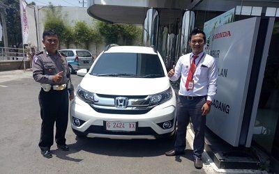 Pembeli-Honda-BRV-E-MT-Batang